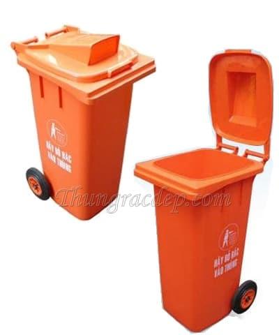 thùng rác màu cam